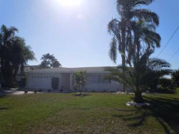 Villa 8 lakes for Pelican motors fort myers florida